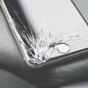 4 Simple Ways To Dispose of Old Mobile Phones